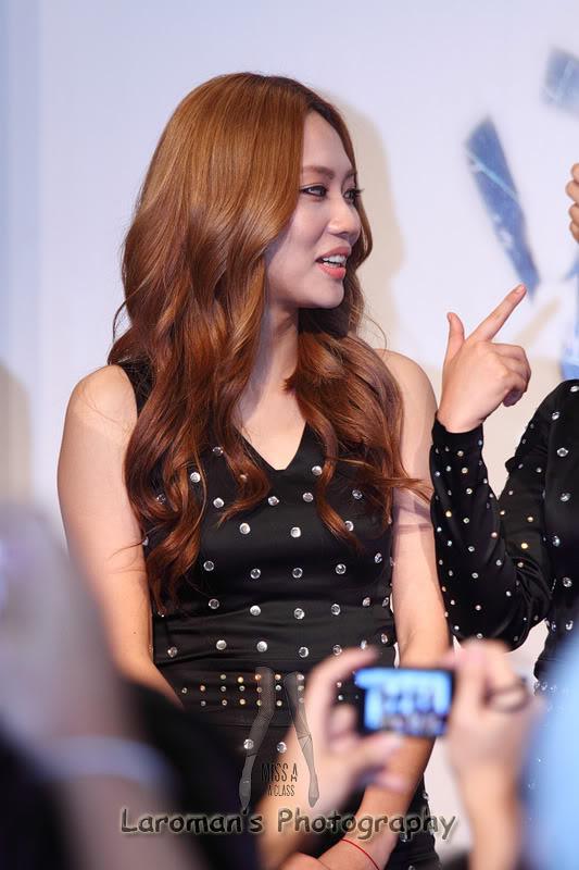 Miss A firma de discos en Singapur MissA110929_18