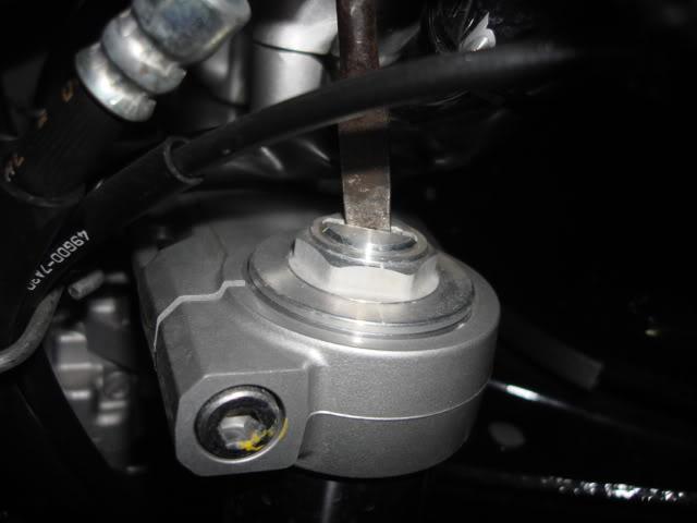 Regulagem da suspensão dianteira Bandits - Página 4 DSC03188