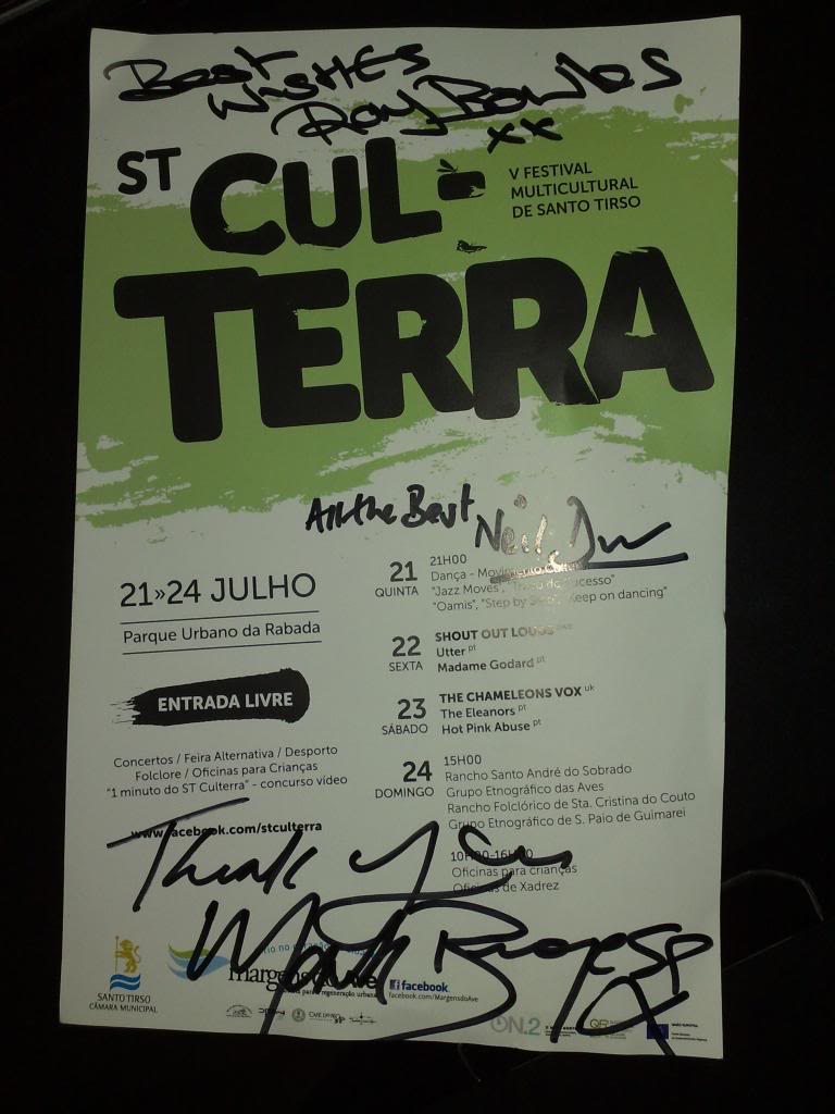 Os nossos concertos (ingressos) - Página 2 TheChameleonsVoxSigned2011_zpsa47e6f08