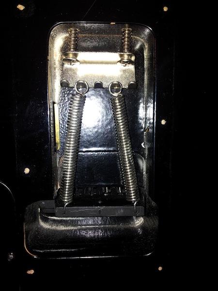 tremolo - A20V BBR GuitarCenter 20120424_214557