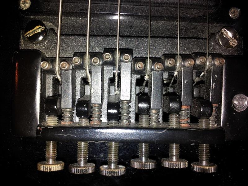 tremolo - A20V BBR GuitarCenter 20120424_214616