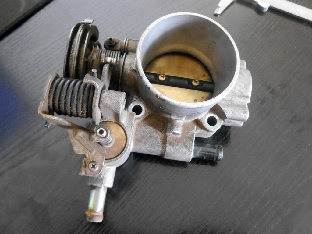 Aga - Μπουγατσα Vvl-throttle-body_zps1791f952