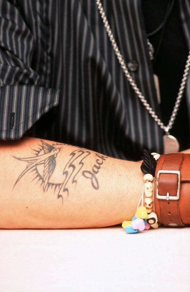 Ses tatouages 039