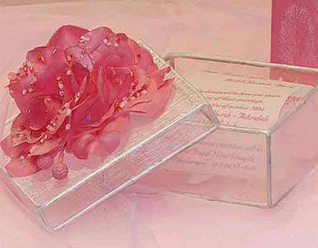 بطاقات دعوة الى الأعراس فريدة من نوعهـــــا !!!!!!!!!! 19042006-111902-3