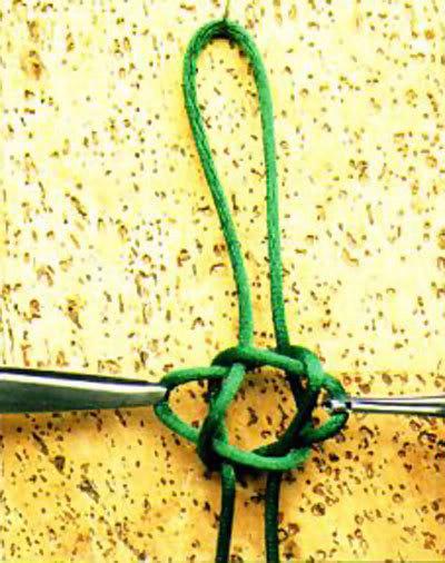 Thắt vòng đeo tay Puccy-1