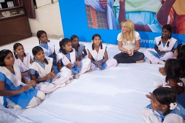 Proyectos Humanitarios » Pies Descalzos, Alas... UNICEF_SHAKIRA-8421