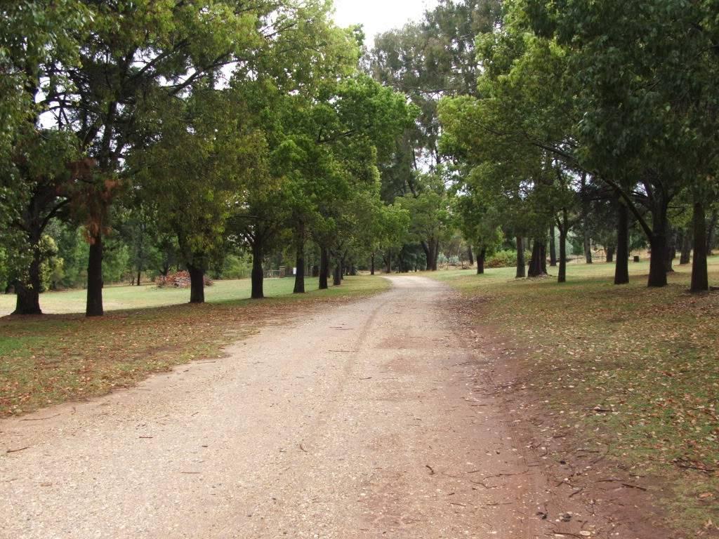 Albury: Eastern States Van-In, Easter 2012 - Camping & Entry Fees. DSCF8025