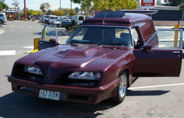 How Many Different TransAm Fronts were there on Aussie Vans/Cars? 617eca31