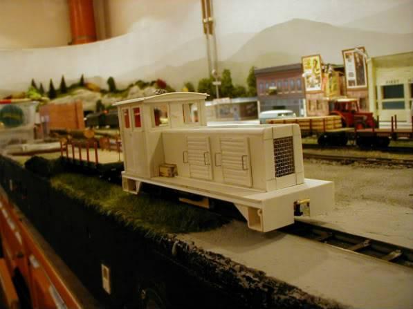 ... Umbau einer H0 Baldwin Switcher von Walters Modell..... - Seite 2 P1010003_3