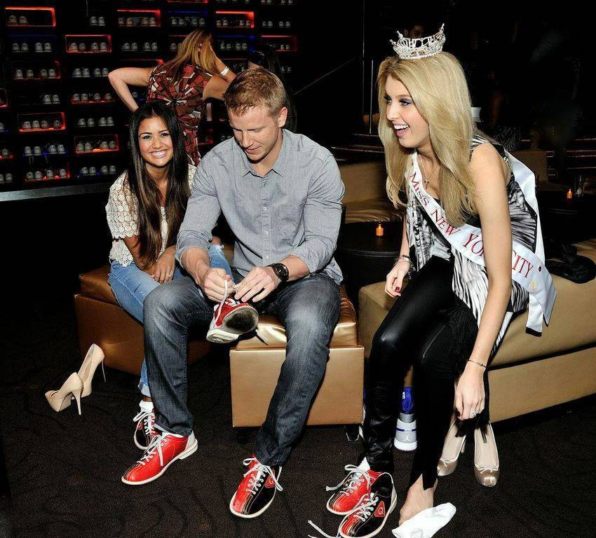 Sean & Catherine Lowe - Pictures - No Discussion - Page 4 0d20effd8d1b6dc03304fff9f3476e17_zps20ba326f