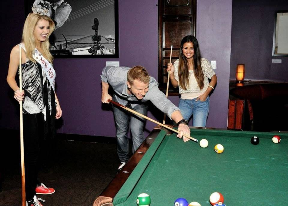 Sean & Catherine Lowe - Pictures - No Discussion - Page 4 5db610a52985c593df4cd85c2912f3e3_zpsc2ca13d4