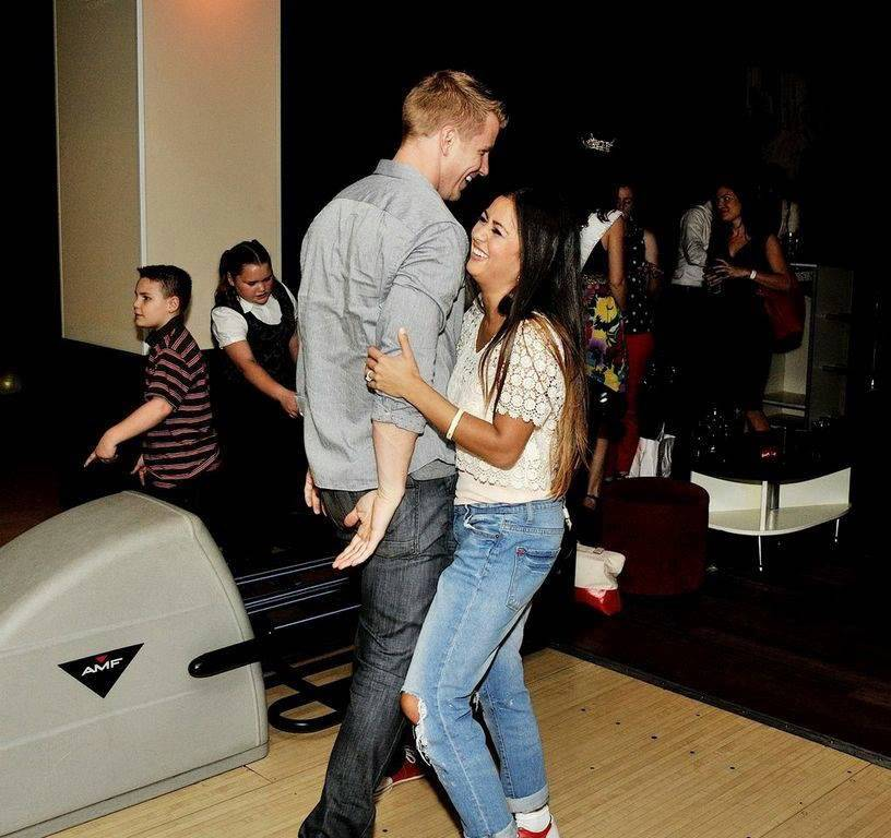 Sean & Catherine Lowe - Pictures - No Discussion - Page 4 E9ab842591c5a5392b00b8a933ee407f_zps54ef7a82