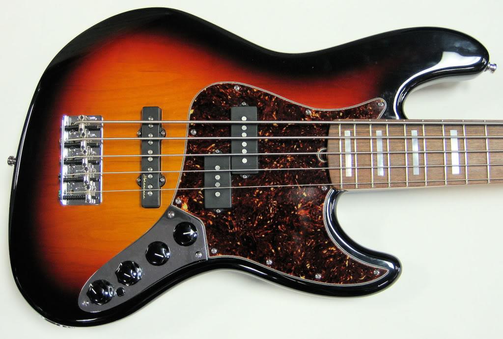 Menção honrosa - Squier Jazz Classic Vibe e Fender Jazz Custom Shop 64 NOS - Página 2 Rh3