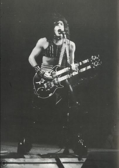 1982/1983 MASKED - Page 3 Paulwith2-neckHammerguitar