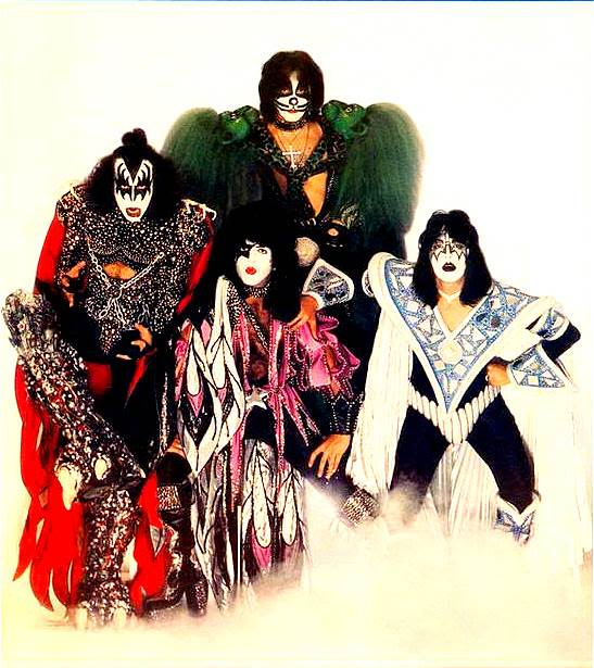 1979. - Page 2 Kiss_l_cb50ea311d155dcb3fbed7ea6f0b