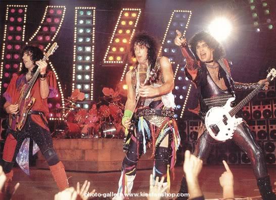 1987 Kisslive-1