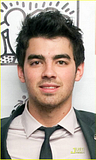 Joe Jonas es un BUEN COMPAÑERO Th_joe-jonas-best-buddy-07