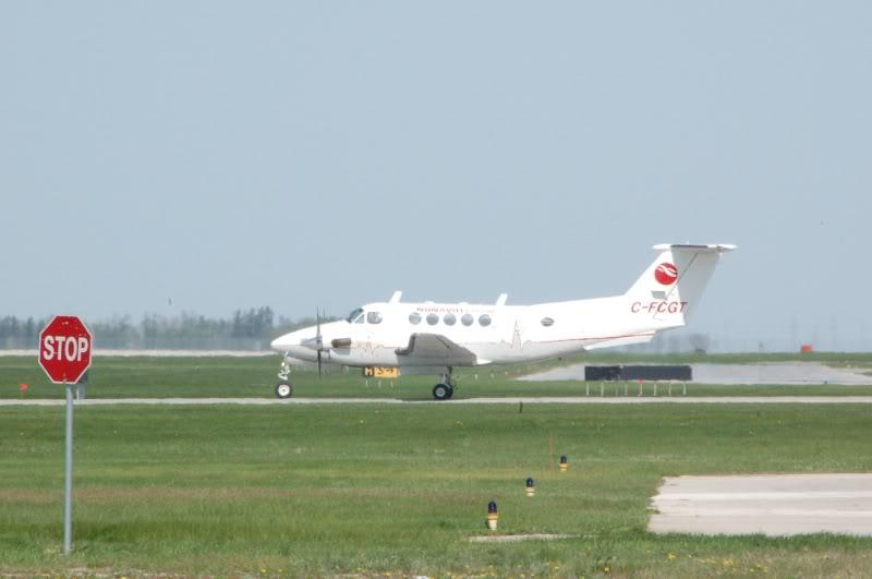 Winnipeg James Armstrong Richardson International Airport (YWG / CYWG) DSC_0816