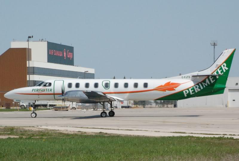Winnipeg James Armstrong Richardson International Airport (YWG / CYWG) DSC_0831