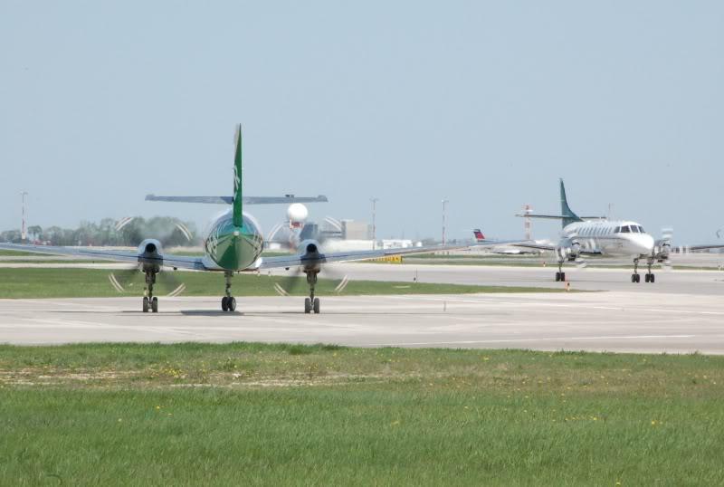 Winnipeg James Armstrong Richardson International Airport (YWG / CYWG) DSC_0833