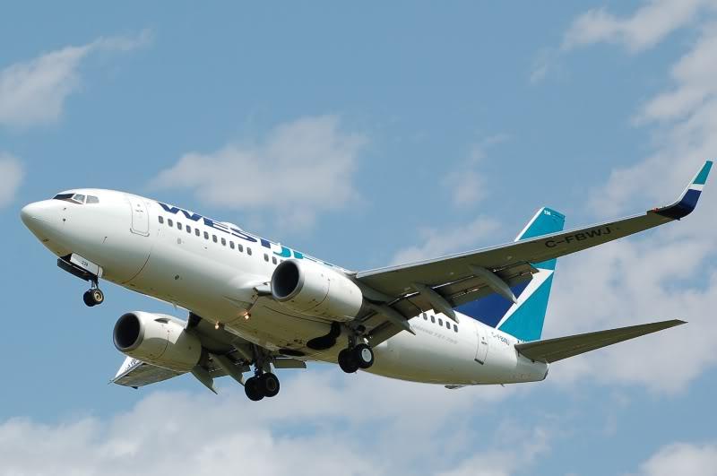Winnipeg James Armstrong Richardson International Airport (YWG / CYWG) DSC_0956