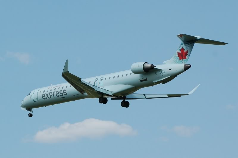 Winnipeg James Armstrong Richardson International Airport (YWG / CYWG) DSC_1023