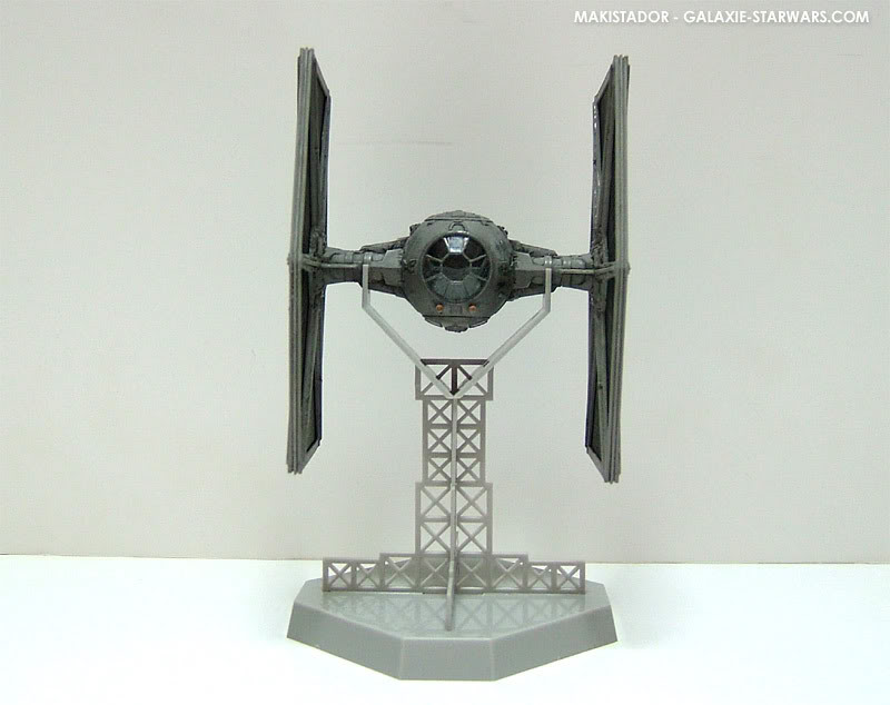 FINEMOLDS maquette Tie-fighter 1/72 eme 1-7