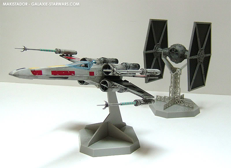 FINEMOLDS maquette Tie-fighter 1/72 eme 10-3