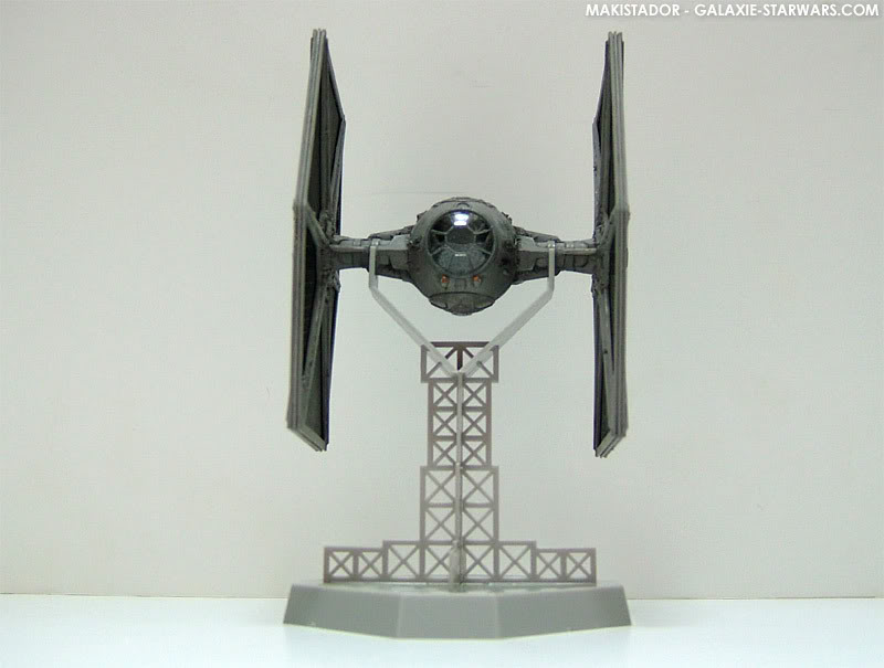 FINEMOLDS maquette Tie-fighter 1/72 eme 2-6