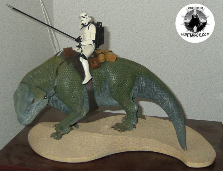 Sandtrooper and Dewback Diorama 3-17