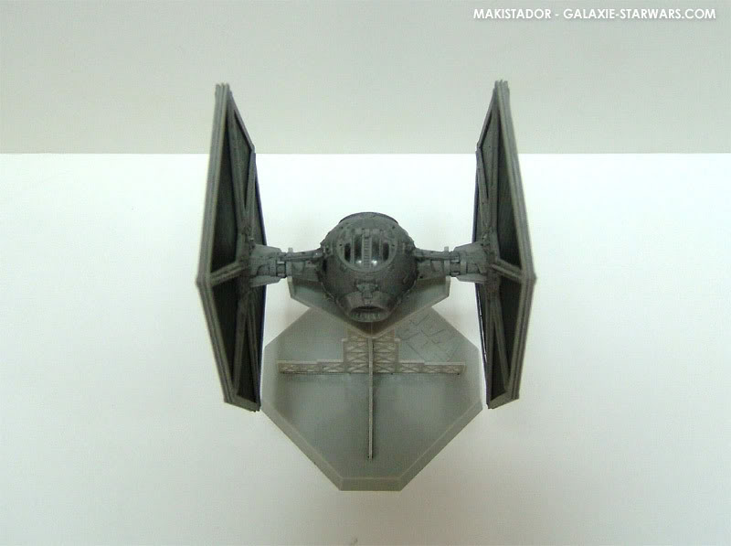 FINEMOLDS maquette Tie-fighter 1/72 eme 6-5