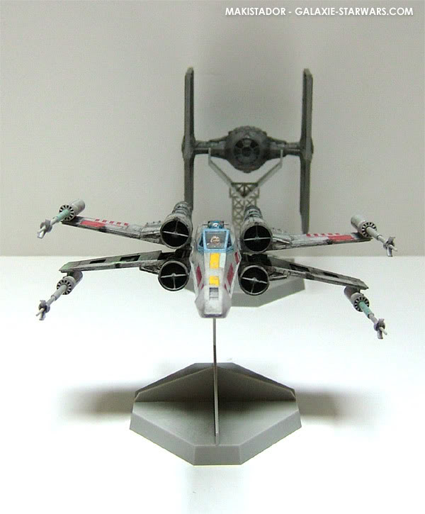 FINEMOLDS maquette Tie-fighter 1/72 eme 9-3