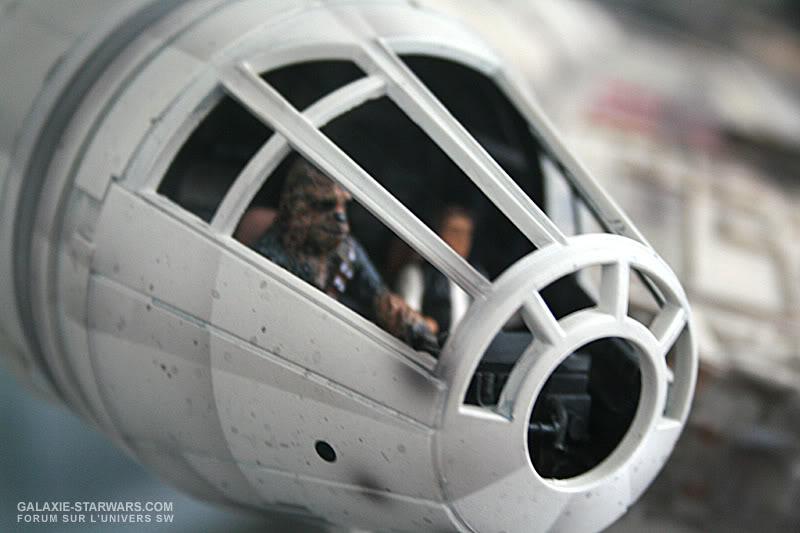 Les figurines Han solo et Chewie pour faucon MR MR7-1