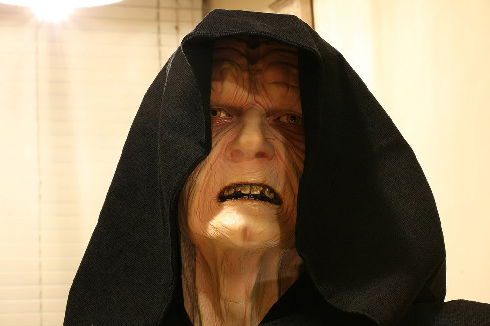 Buste Life Size Palpatine Emperor - Page 3 Emp1