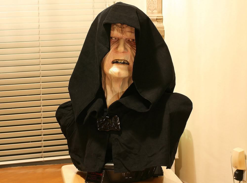 Buste Life Size Palpatine Emperor - Page 3 Emp2