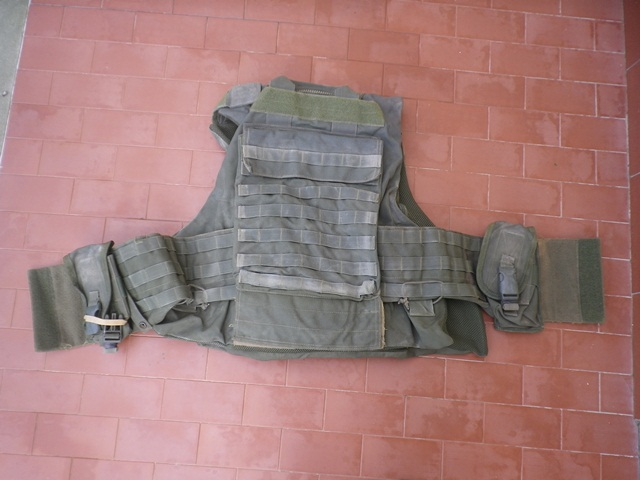Aghan made body armour cover and modified uniform Fas004