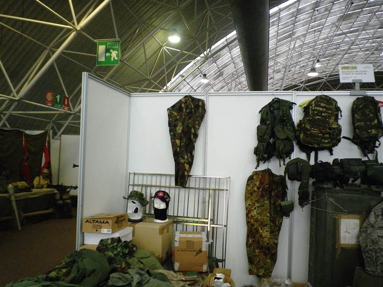 "some photos from ""Militalia"" fair Resized_mil051"
