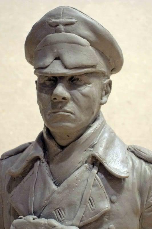 Rommel bust 1/5 - Page 2 E-2