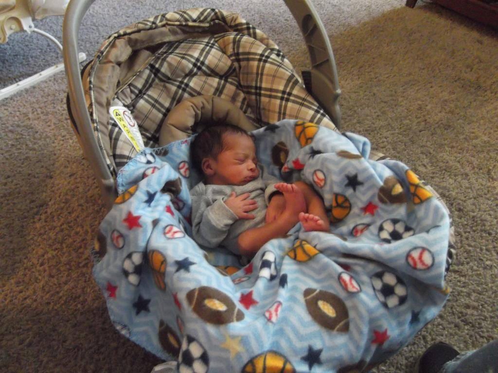 New Preemie Grandbaby! DSCF2905_zps2e274cc7