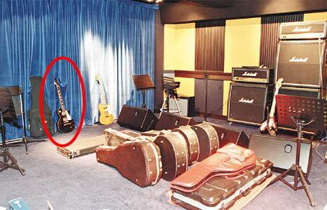 Bộ sưu tập guitar của Nic 0520enew65b1b