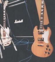 Bộ sưu tập guitar của Nic Gibson6