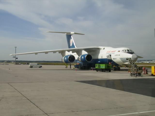 Teretni avioni P9190052