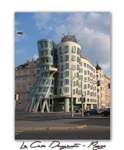 Arquitectura no convencional: LACASADANZANTEPRAGA
