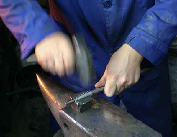 Spanish folding knife workshop visit photos Galiciaknives-1