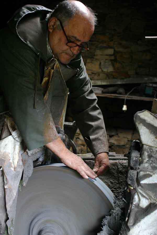 Spanish folding knife workshop visit photos Galiciaknives-14