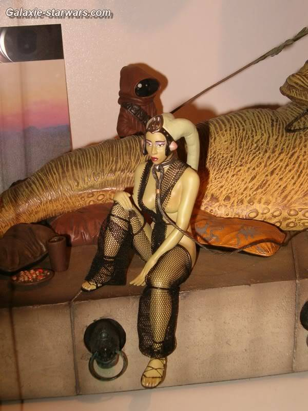 Jabba the Hutt Diorama gentle giant - Page 3 HPIM6133