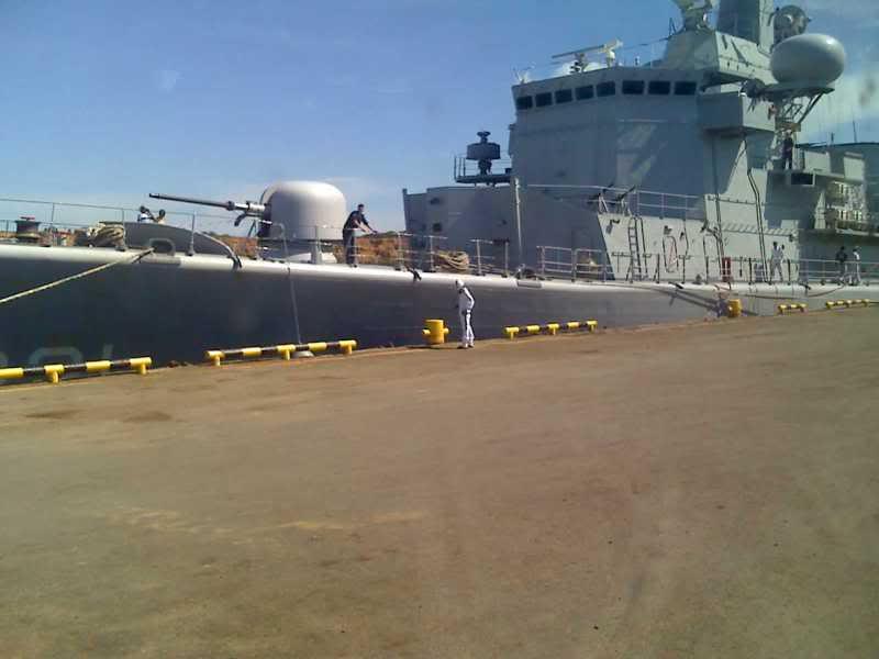 Relaciones Militares Venezuela Holanda y sus Antillas 15-06-09_1451