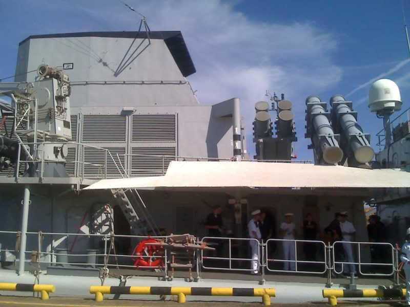 Relaciones Militares Venezuela Holanda y sus Antillas 15-06-09_1543