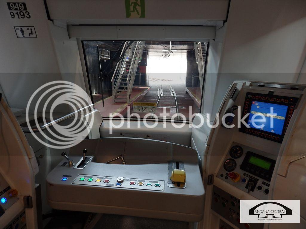 Visita al nou tram de l'aeroport. Febrer 2015 P2110651_zpsh4e0x3p1