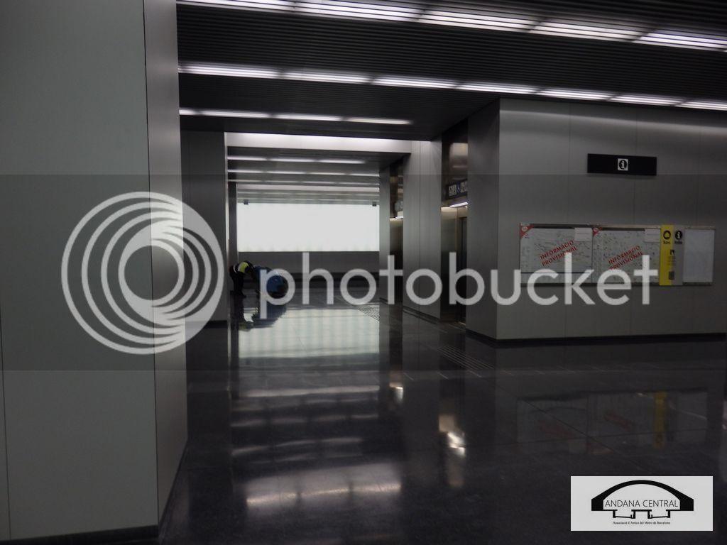 Visita al nou tram de l'aeroport. Febrer 2015 P2110703_zpsbmkdwu4a
